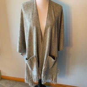 NWT Cejon Ribbed Fringe Wrap w/Pockets OSFM